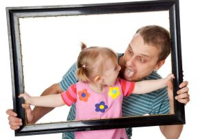 dad-with-little-girl-photo-frame